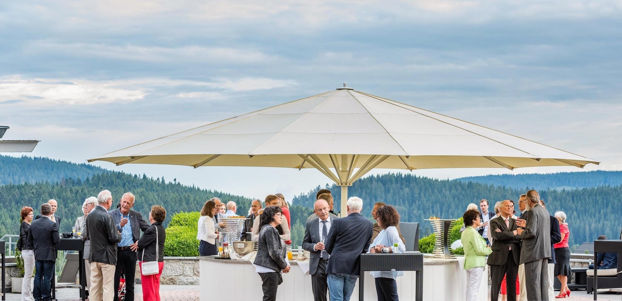Veranstaltung auf der Panoramaterrasse im Vier Jahreszeiten am Schluchsee