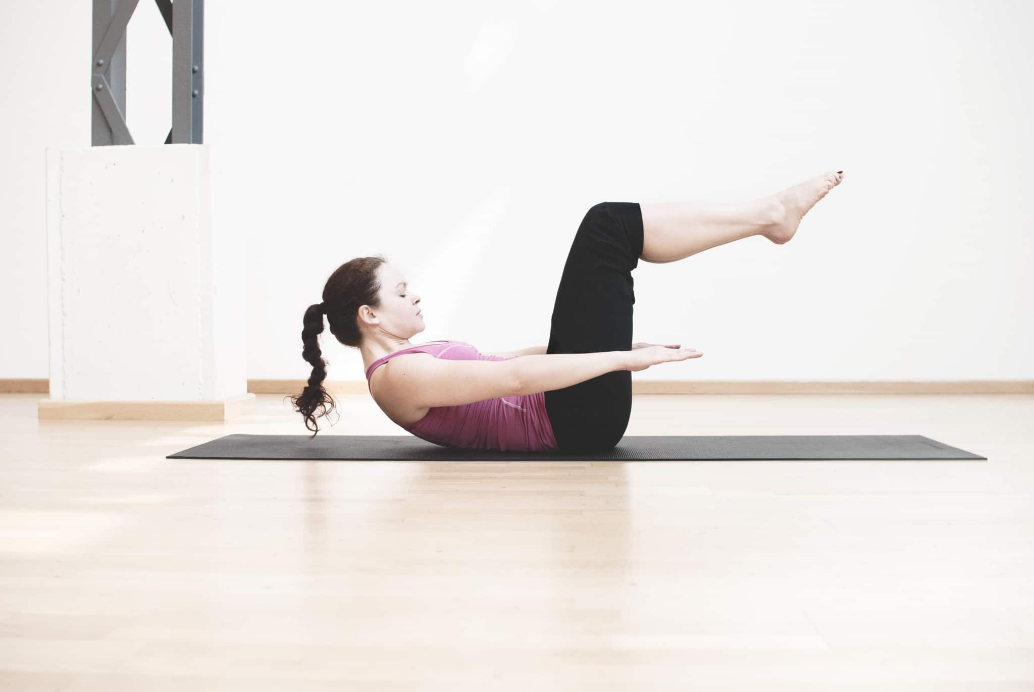 Pilates Übung im Kurs von Frau Zubina im Vier Jahreszeiten am Schluchsee