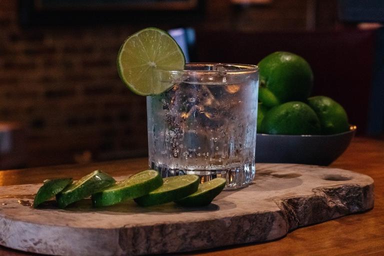 Gin mit Limette