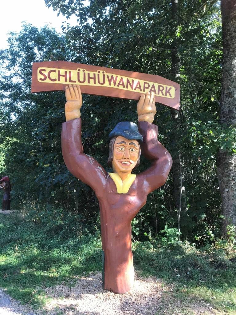 Eingang des Schlühüwanaparks
